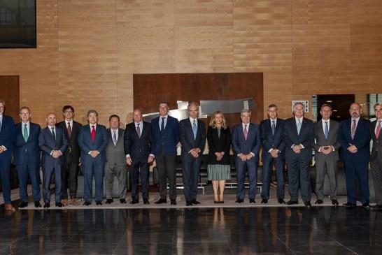 La nueva Comisión Permanente del Consejo General se reúne con Caser