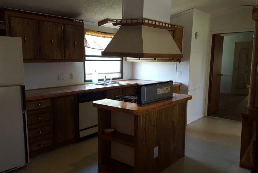singlewide-kitchen-casa-estates