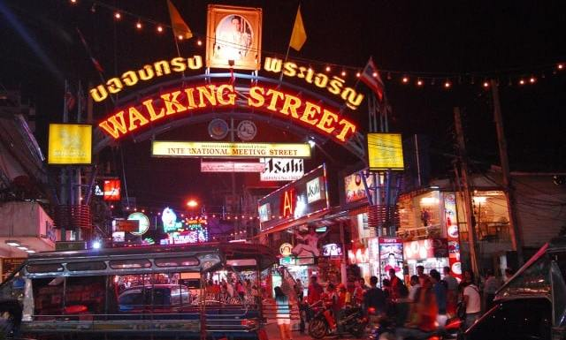 como-dar-la-vuelta-al-mundo-pattaya-walking-street