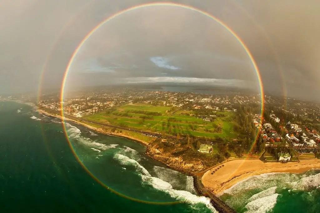 Arcoiris circular y arcoiris doble