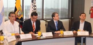 Miembros de la Cámara de Comercio de Guayaquil en Perú