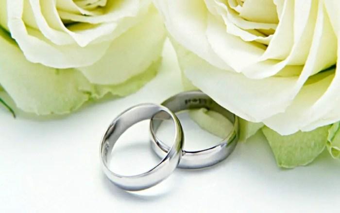 Socialmente se establece el compromiso mediante el matrimonio civil o religioso