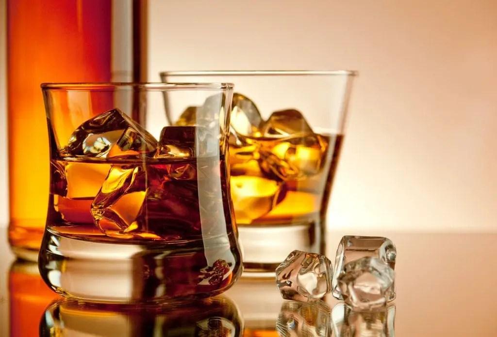 Un fuerte complot por la foto del alcoholismo femenino