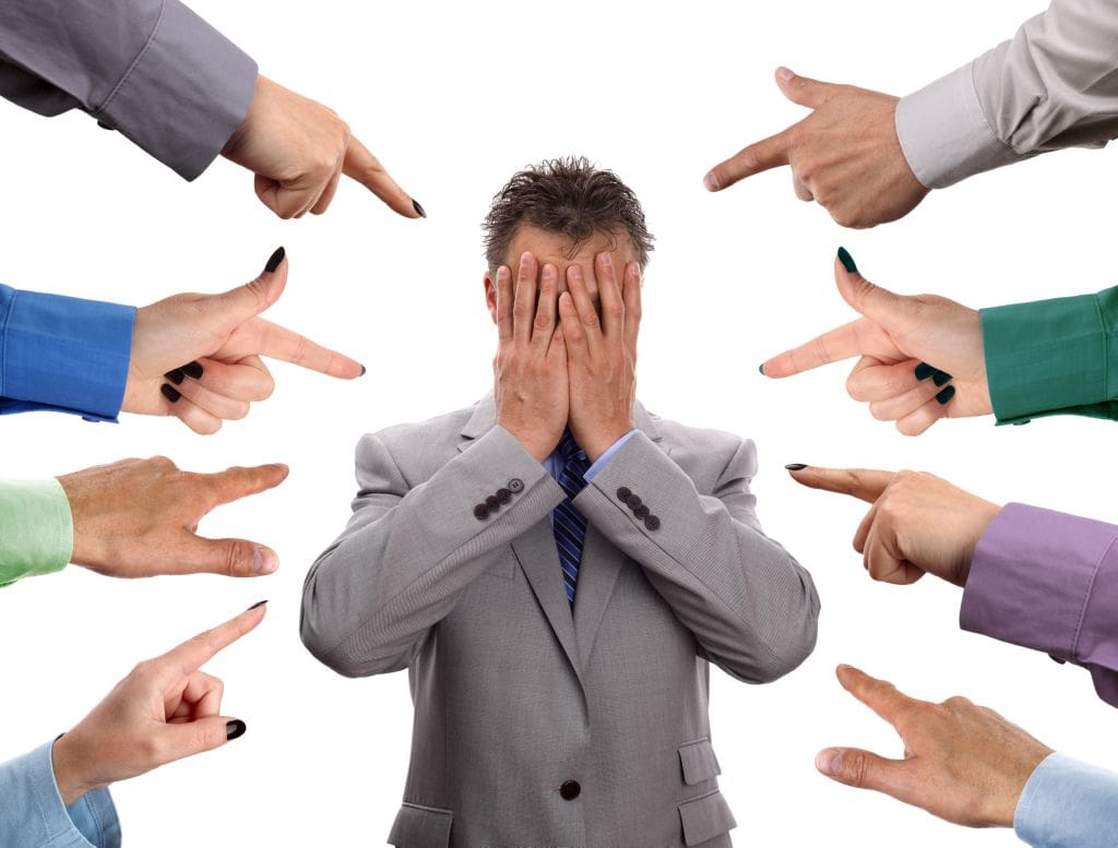 4 Causas de la fobia social