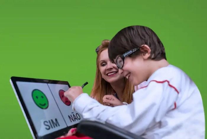 Livox creó una app que permite comunicarse a las personas con parálisis cerebral.