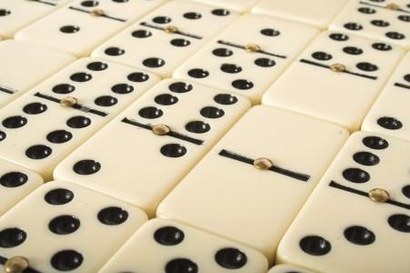 Cómo jugar dominó 3