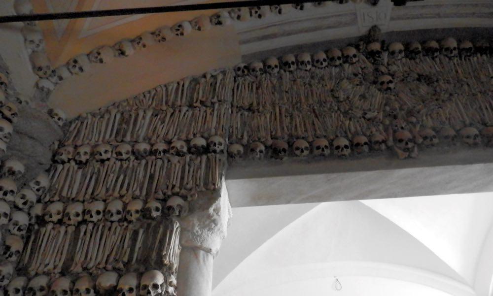 capilla de los huesos evora portugal