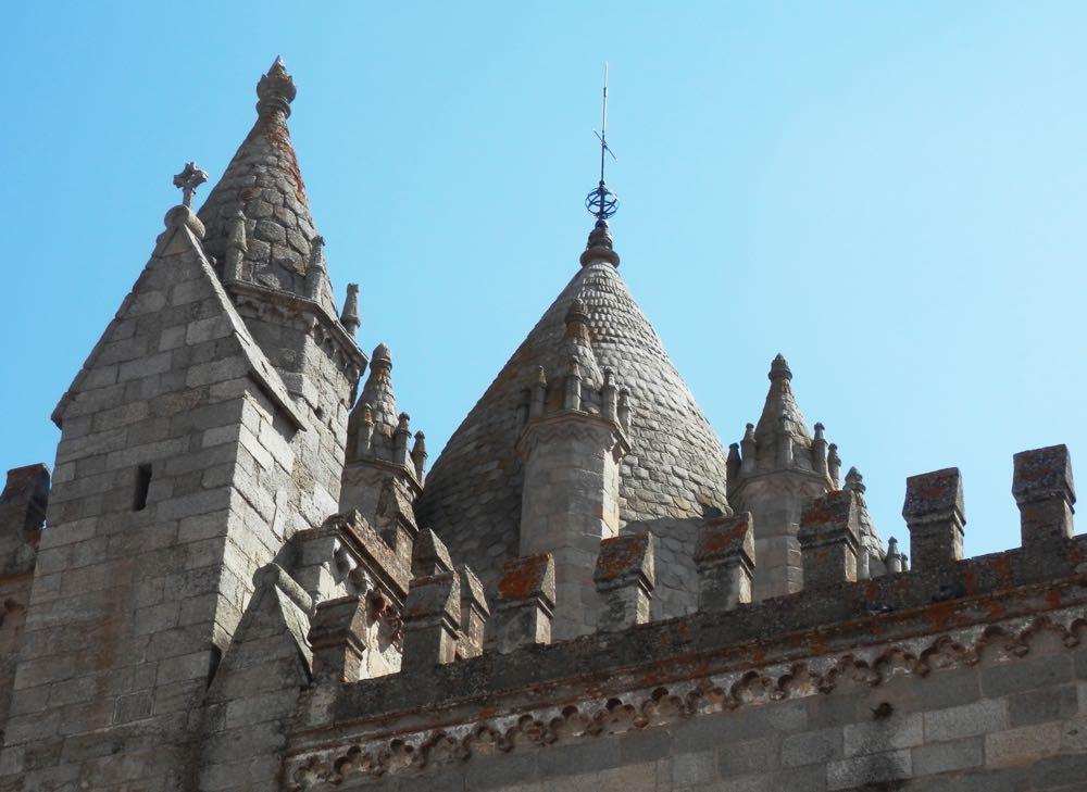 torre catedral evora portugal