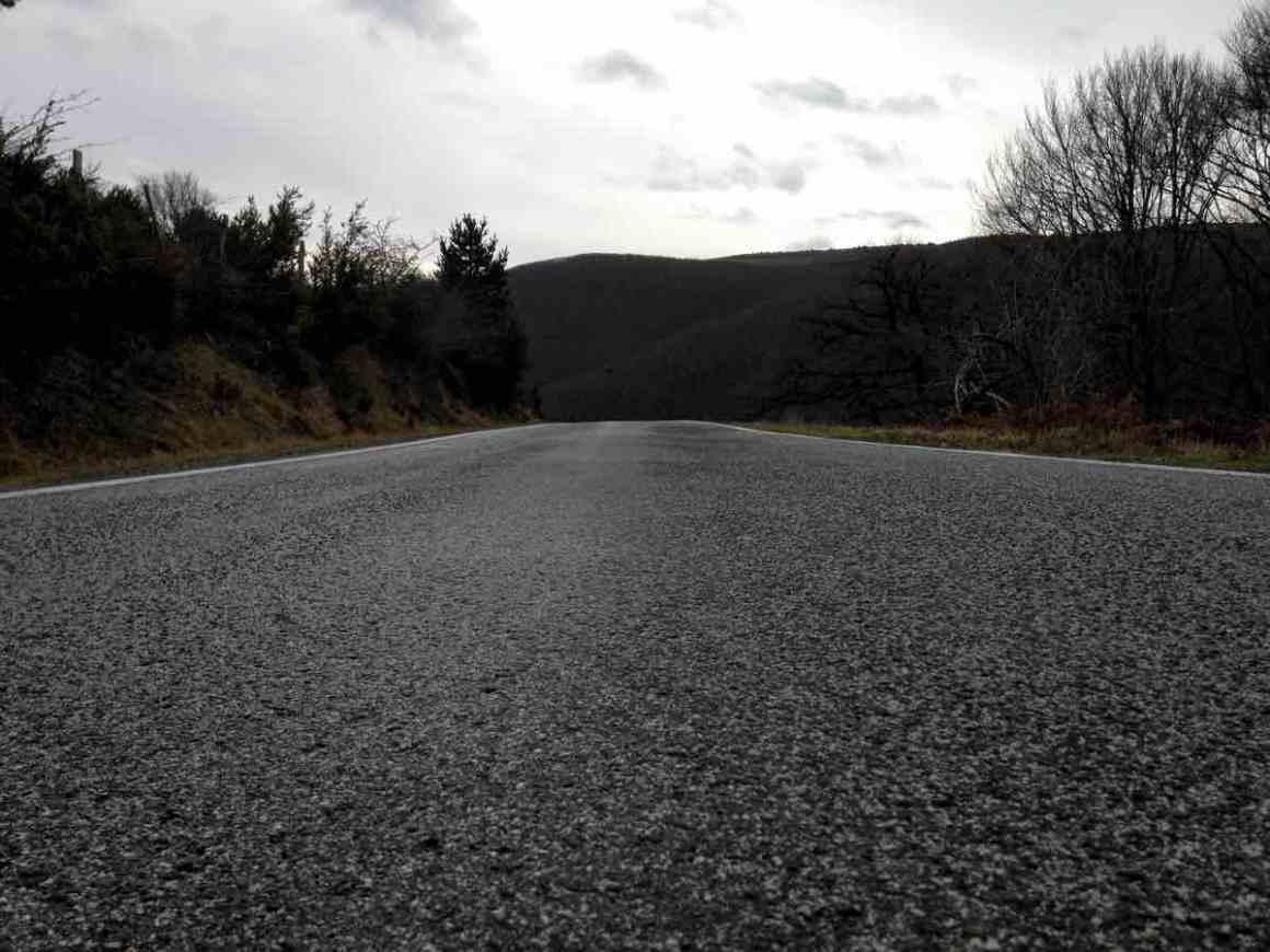 carretera-selva-de-irati-desde-ochagavia-navarra