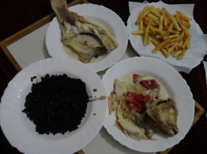 peixe, arroz, batatas