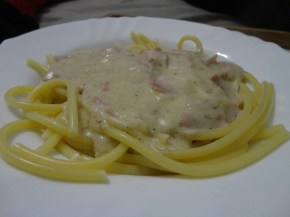 Espaguete Furado com Molho Branco