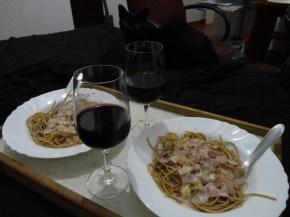 Espaguete integral com molho branco