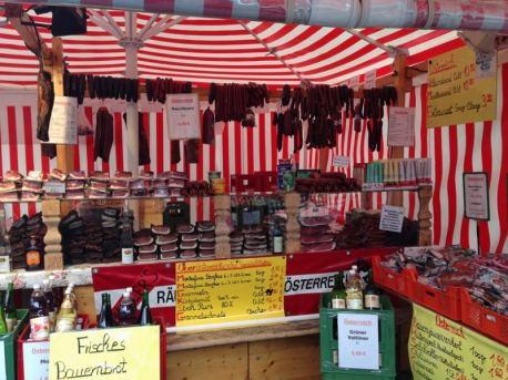 barraca-do-viktualienmarkt-mercado-de-munique-na-alemanha-foto-nathalia-molina-comoviaja
