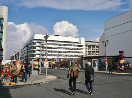 Berlim Checkpoint Charlie Alemanha Viagem - Foto Nathalia Molina @ComoViaja (7)