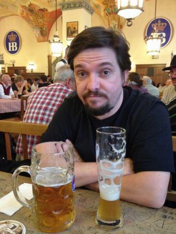 cerveja-alema-hofbrauhaus-em-munique-na-alemanha-foto-nathalia-molina-comoviaja