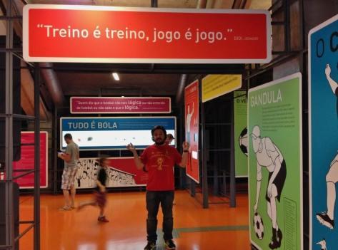 curiosidades-e-frases-no-museu-do-futebol-em-sao-paulo-foto-nathalia-molina-comoviaja