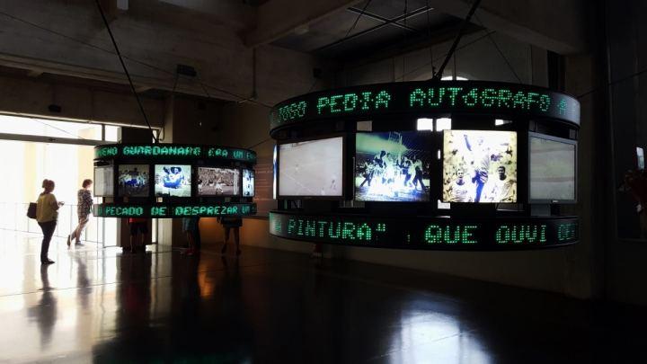 gols-e-lances-de-garrincha-e-pele-museu-do-futebol-em-sao-paulo-foto-fernando-victorino-comoviaja