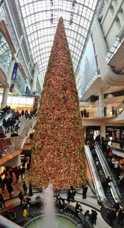 maior-arvore-de-natal-do-canada-eaton-centre-shopping-de-toronto-foto-nathalia-molina-comoviaja