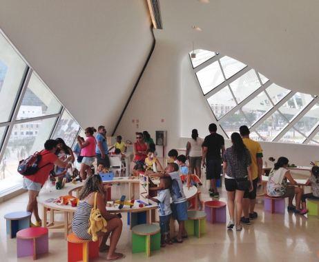 Museu do Amanhã, Crianças, Brinquedos e Livros, Rio de Janeiro, Praça Mauá - Foto Nathalia Molina @ComoViaja (1024x843)