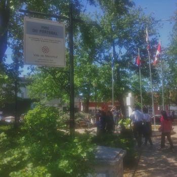 parc-du-portugal-em-frente-a-casa-de-leonard-cohen-no-plateau-mont-royal-em-montreal-canada-foto-nathalia-molina-comoviaja