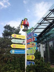Playmobil FunPark Alemanha Parque Crianca Nuremberg Placas - Foto Nathalia Molina @ComoViaja (478x640)