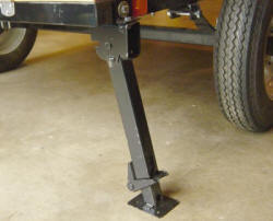compact camping trailer stabilizing rear-jack
