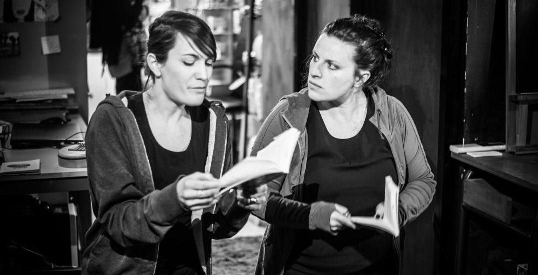 """Pauline et Sandra - Lecture de """"Les ombres de Rémi"""" de Dominique Richard à la libraire Les Modernes, Grenoble - crédit photo : Aurélie Fournier"""