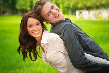 Couple enjoué
