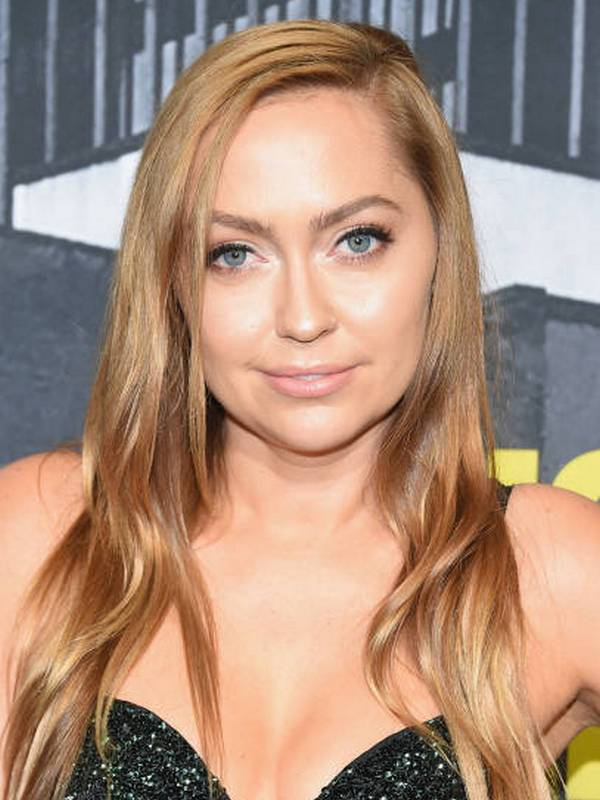Compare Brandi Cyrus Height Weight Body Measurements