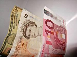 Jak potoczy siękurs euro, dolara i funta? Barclays aktualizuje prognozy Forex
