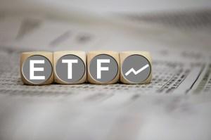 Bitcoin ETF zmniejszy premię na kontraktach BTC futures, twierdzi J.P. Morgan
