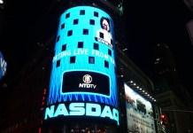 Logo Nasdaq na Times Square
