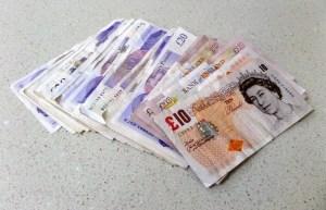 Kurs funta (GBP/USD) odrabia straty ze środy. Sprzeczne dane dotyczące rosnącej inflacji w Wielkiej Brytanii