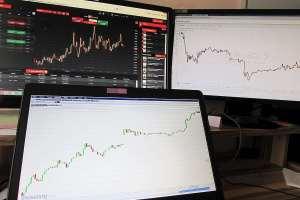 DAX w ruchu wzrostowym, WIG20 z wahaniami. KGHM ze sceptycznymi opiniami - sentyment CMC Markets