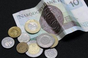 Kursy walut. Dolar najsłabszą walutą, euro rośnie