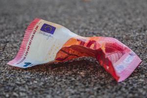 Euro będzie wspierane gospodarczą odbudową w Europie, twierdzi MUFG