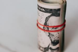 Kurs dolara pokazuje siłę 2. dzień z rzędu. USD/PLN rośnie