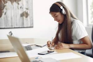 Korepetycje z j. angielskiego – stacjonarnie czy online