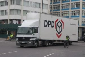 DPD Polska powiększyło flotę o 50 elektrycznych vanów Mercedesa