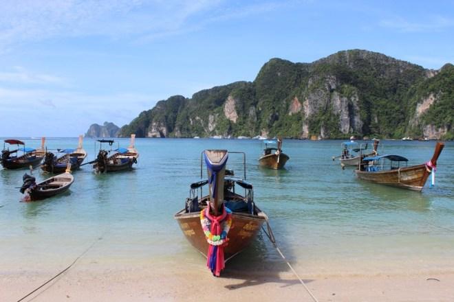 Ton Sai Bay  e os lindos barcos tailandeses
