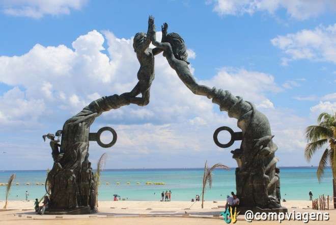 Escultura Portal dos Maias