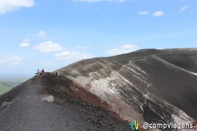 Caminhando pelo vulcão