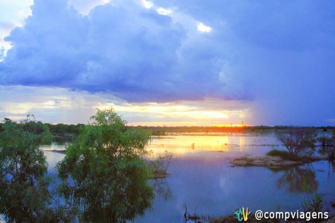Pôr do sol no caminho para Karumba