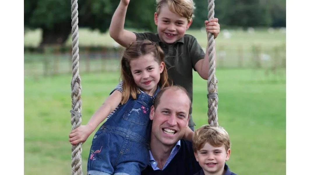 Photo of Happy birthday, il principe Willia festeggia con i tre figli