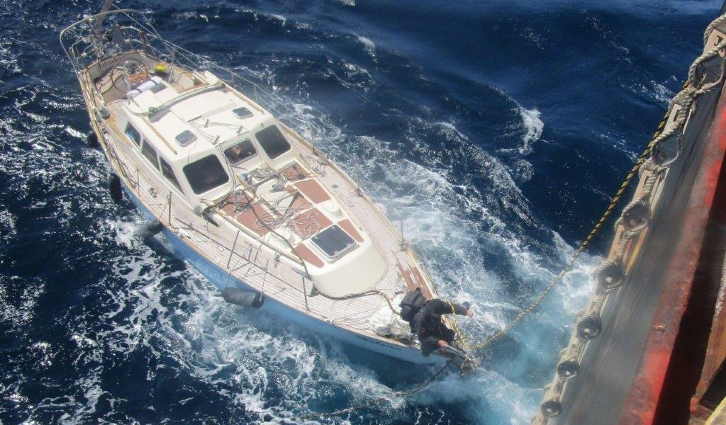 https://hmcoastguard.blogspot.com/2020/05/long-distance-yacht-rescue.html