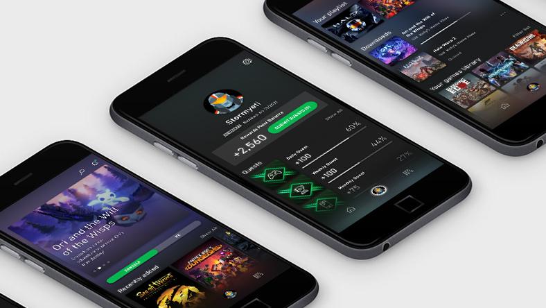 Trois téléphones intelligents affichant l'application Xbox Game Pass
