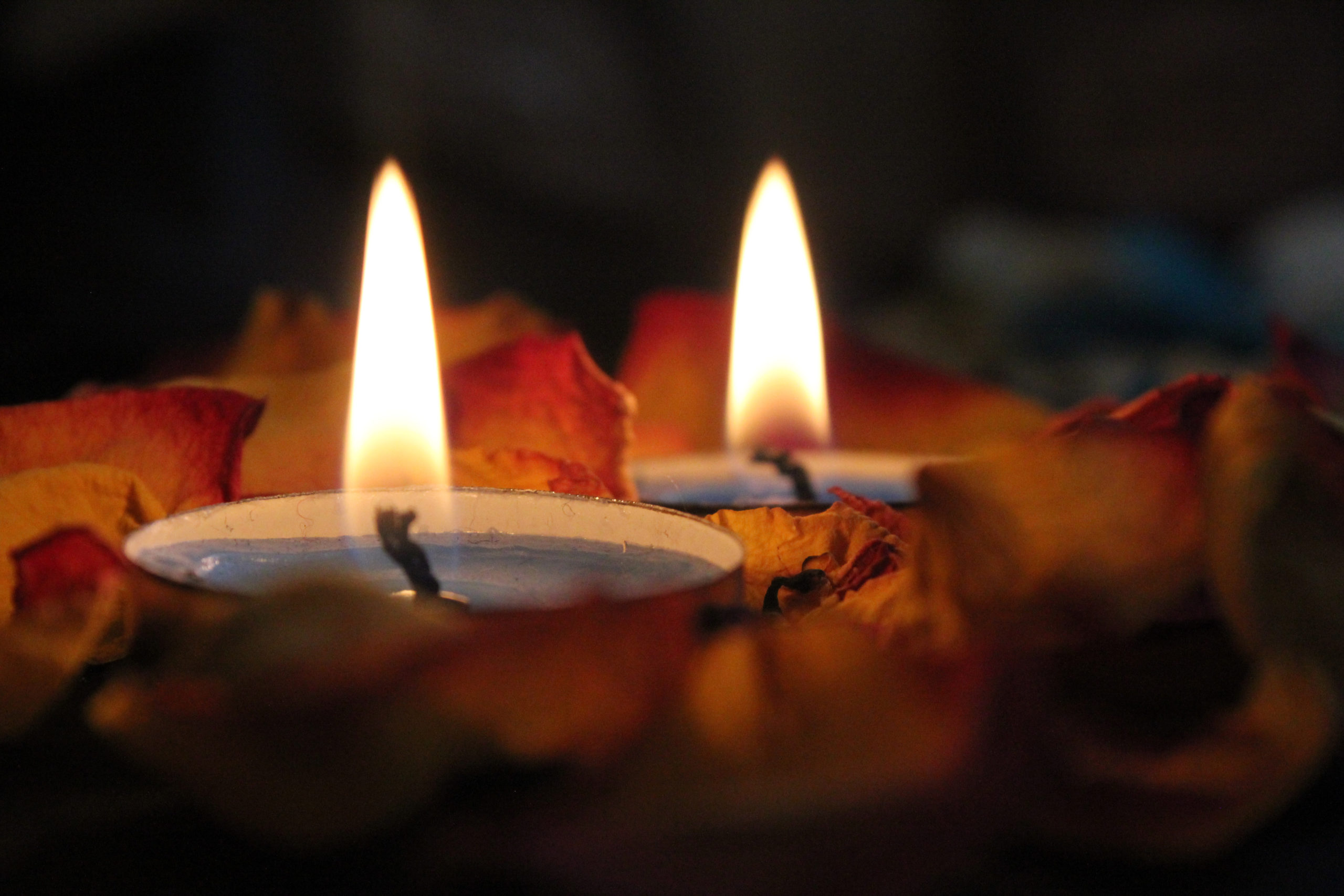 Canva – Close-up Photography Of Candels