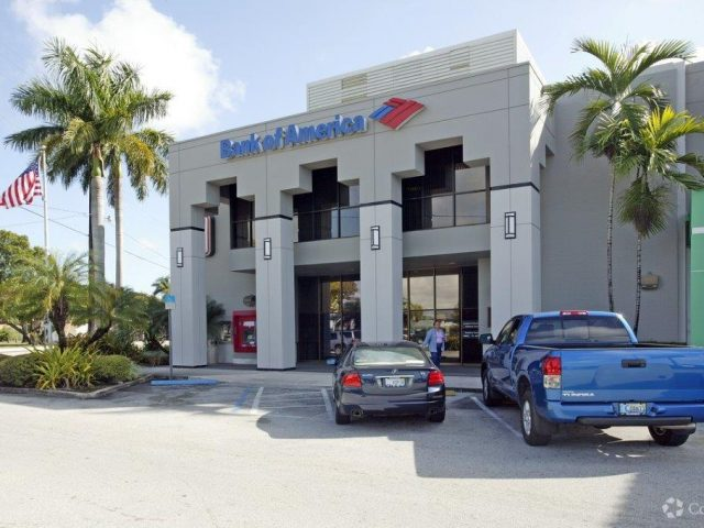 Pinecrest Retail Center