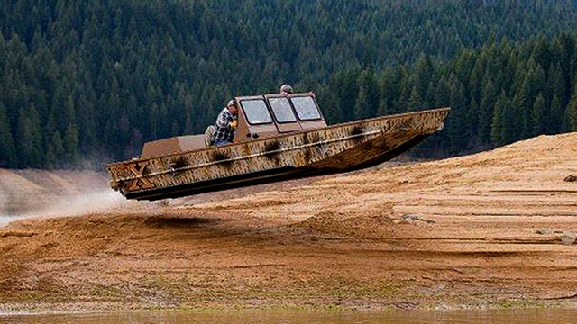 Sjx Jet Boat Jumping