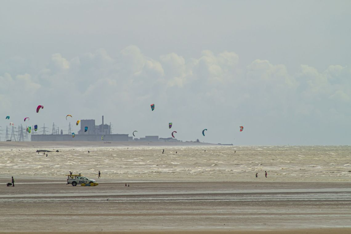 Kiteboarding at Camber